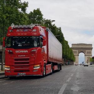 LKW der Nijmeijer Transport & Logistik GmbH in Frankreich